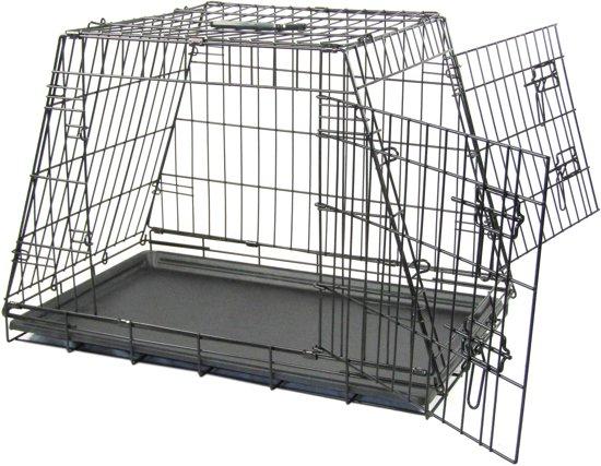 Afbeelding van goedkope hondenbench voor in de auto, je ziet schuine zijkanten