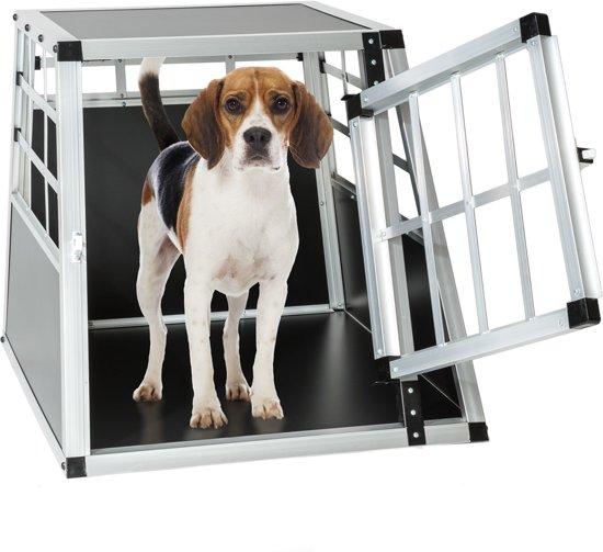 Afbeelding van kleine metalen hondenbench met hondje erin