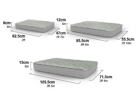 Afmetingen van de Luxe Omlet Topology hondenmand L x B x H: Small - 62.6 x 47 x 9 cm Medium: 85.5 x 55.5 x 12 cm Large: 105.5 x 71.5 x 15 cm