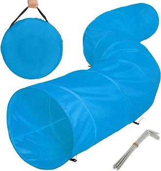 Afbeelding van een lichtblauwe agility hondentunnel